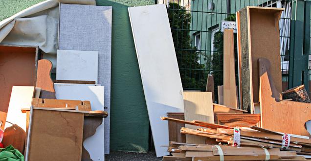 sperrm ll was geh rt dazu. Black Bedroom Furniture Sets. Home Design Ideas